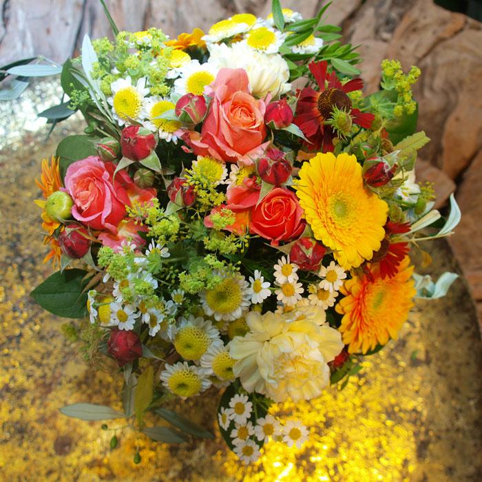 Blumenstrauß gelb orange in Marienheide liefern lassen
